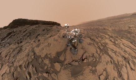 msl-curiosity-murray-buttes-selfie-pia20844-br2